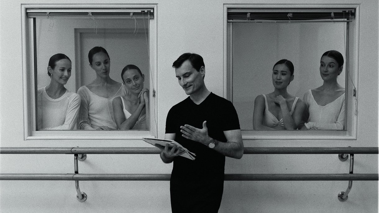 Barre with David McAllister from The Australian Ballet